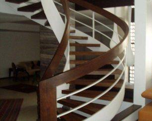 راه پله پیچ خم فارس