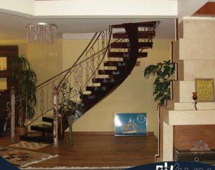 سازنده ی انواع راه پله های پیش ساخته فلزی در استان اصفهان